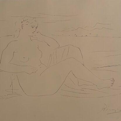 Femme au Bord de la Mer